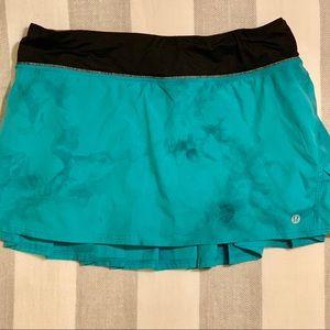 Lululemon Turquoise Pace Setter Skirt. Size 8